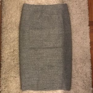 H&M grey thick knit skirt
